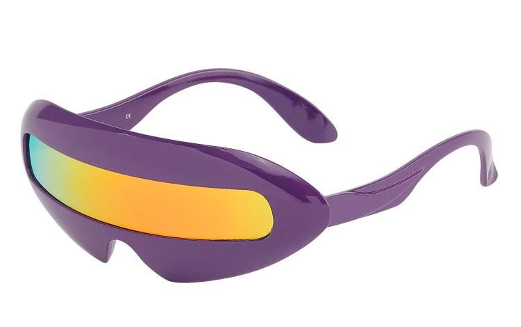6d21f734596f Billig Lilla spacy solbrille med orange-gul-røde farvet glas - Norges  billigste solbriller