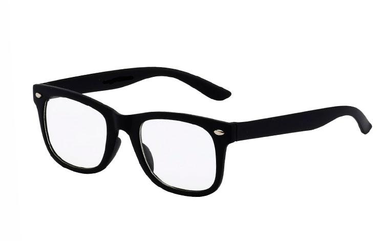 d7b74bde7962 BØRNE wayfarer brille med klart glas i mat sort stel. - Design nr. 3513