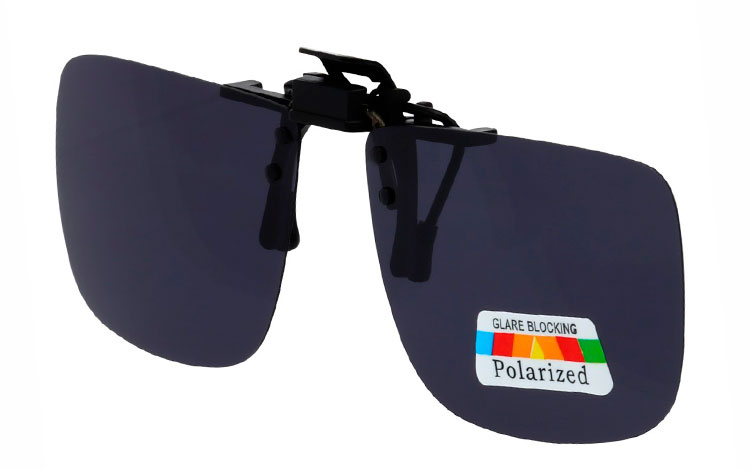 277cb4c56825 Firkantet clip-on solbriller med mørke polaroid glas - Design nr. 3525