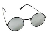 c9746e70095f Runde solbriller i mange slags. Lennon klar eller solbrille. Køb her.