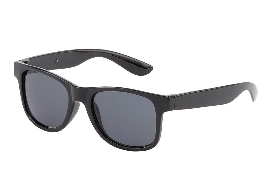 8b13f413b358 BØRNE solbrille i sort enkelt design - Design nr. 3820
